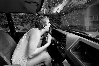 Samstags darf Andreas das Auto von innen putzen. Hier fühlt er sich geborgen